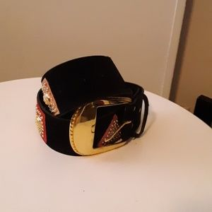 Vintage belt with multi- colored accents